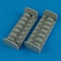 Accessory for plastic models - B-24 Liberator oxygen cylinders