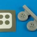 Accessory for plastic models - Hurricane wheels & paint masks
