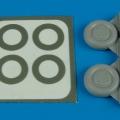 Accessory for plastic models - P-40 wheels & paint masks (type B)