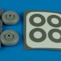 Accessory for plastic models - Macchi MC.200 Saetta wheels & paint masks