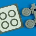 Accessory for plastic models - P-40B wheels & paint mask