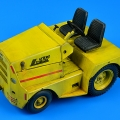 Accessory for plastic models - UNITED TRACTOR GC-340/SM340 tow tractor (dual mounting)